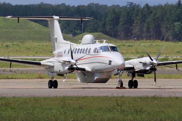 Beech B350 Super King Air N334CA (2)