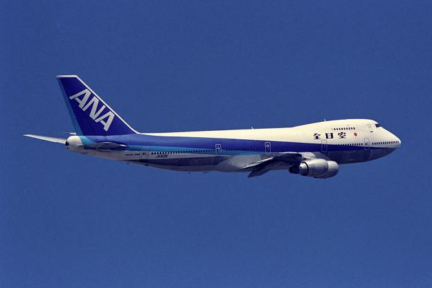 B747SR-81 JA8136 全日空 CTS 1990