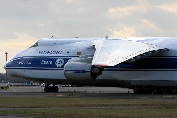Antonov An-124 RA-82043 CTS 2005.11(4)