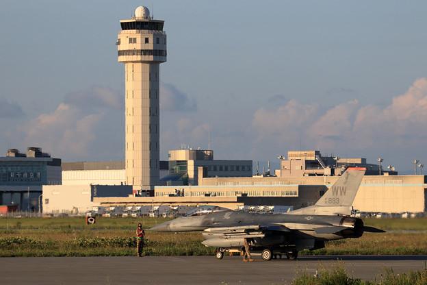 F-16C 92-3883 WW 13FS (1)