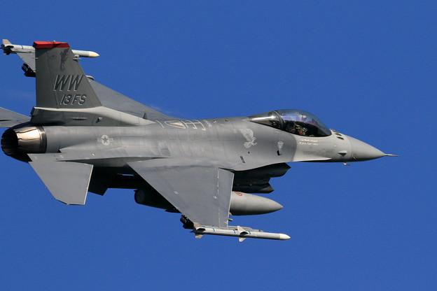 F-16C 92-3913 WW 13FS takeoff (1)