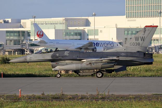 F-16C 94-0038 WW 13FS