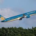Photos: Boeing 787-10 VN-A879 VietnamAirlines (3)