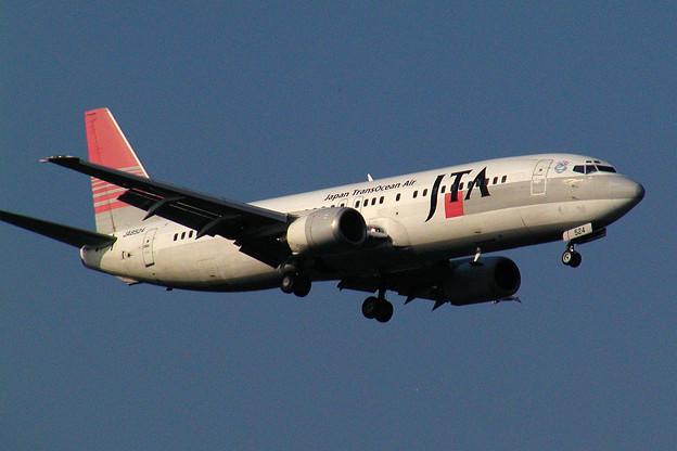 B737-400 JA8524 JTA 2004.07