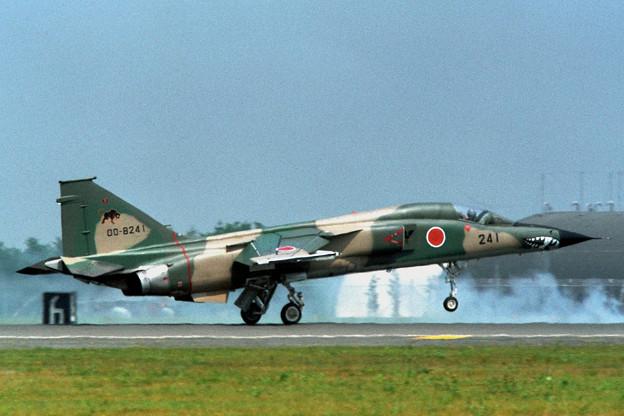 F-1 8241 8sq 1994AGG mark 三沢 1995.09