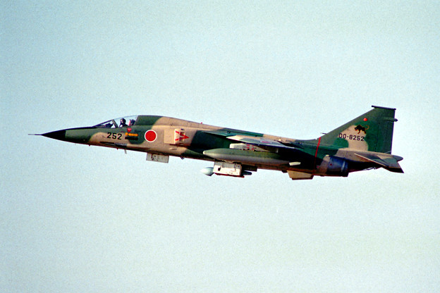 F-1 8252 8sq ACM84 小松