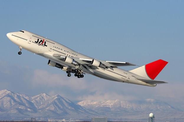 B747-346 JA813J JAL CTS 2007.01