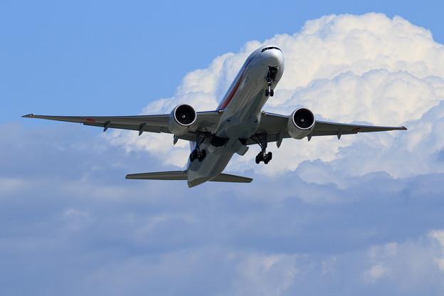 Boeing 777-300 Cygnus11 takeoff (1)