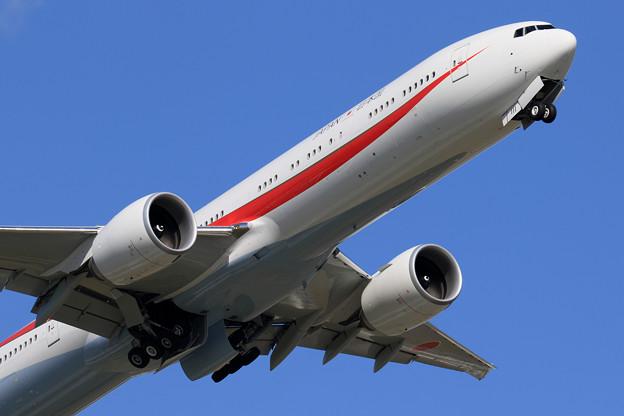 Boeing 777-300 Cygnus11 takeoff (2)
