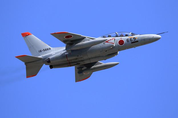 T-4 16-5669 尾翼マークをつけず1機の運用中