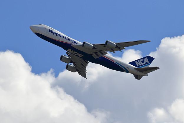 Boeing747-8 JA16KZ NCA Lowpass