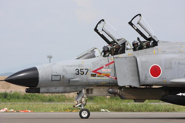 Photos: F-4EJ 8357 302sq CTS 2011.07 (2)
