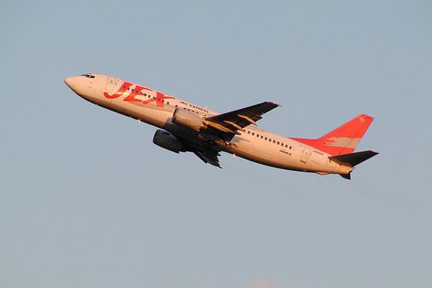 B737-400 JA8991 JEX CTS 2002.10