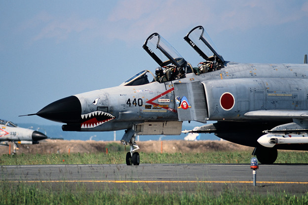 F-4EJ 8440 302sq 2001 (2)