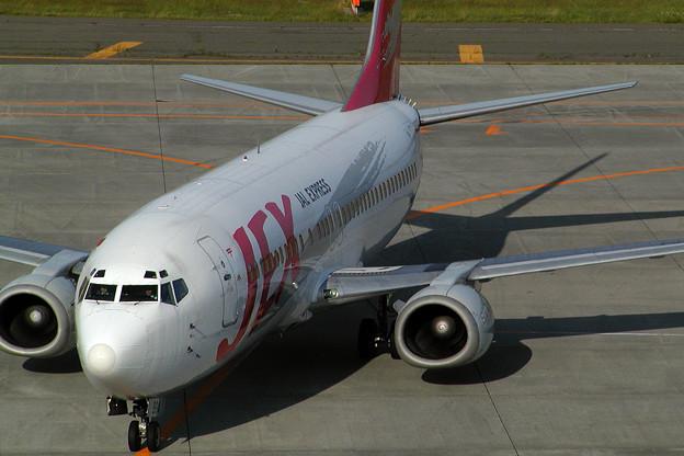 B737-400 JA8994 JEX 2004.07