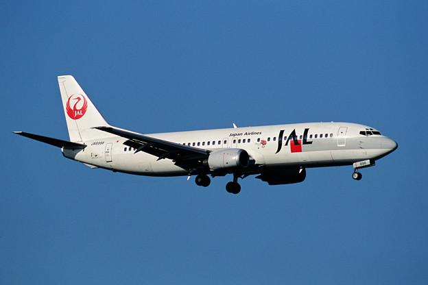 B737-400 JA8998 JAL Flower Jet 2001