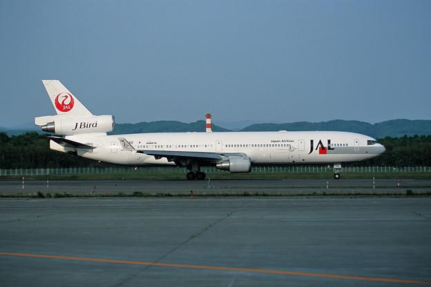 MD-11 JA8582 JAL J-Bird 丹頂 2001夏(1)