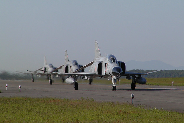 F-4EJ CTS main taxiway (1)
