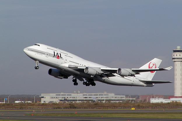 B747-446 JA8078 JAL 2002.10