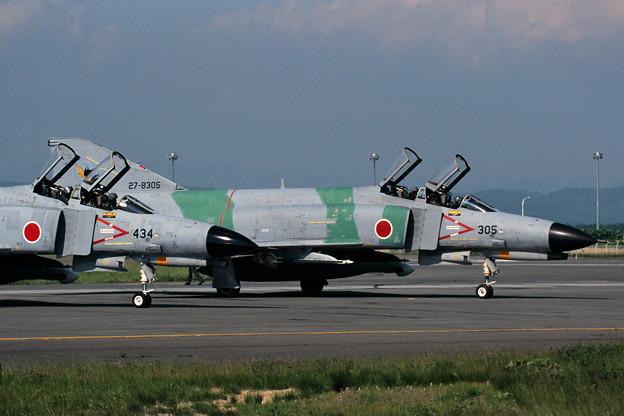 F-4EJ 8305 301sq CTS 1999 (1)
