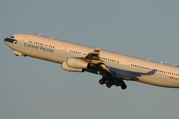 A340-300 B-HXC CX 2005.09