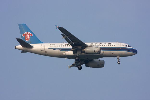 Photos: A319 B-6042 ChinaSouthern CTS 2008