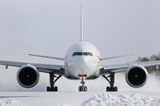 Boeing777 Cygnus11 Rwy36R Line up (1)