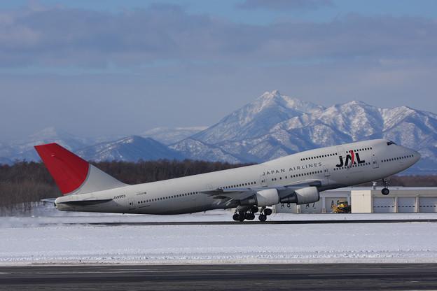 B747-446 JA8903 JAL CTS 2009