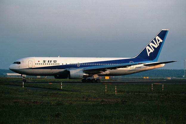 B767-200 JA8243 全日空 1999