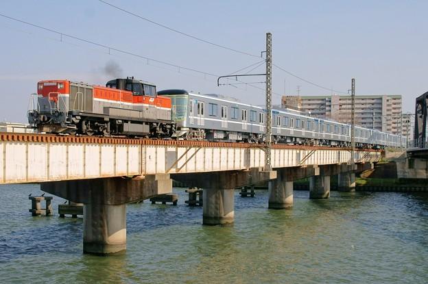 東京メトロ13000系 甲種輸送【DE10 1743牽引】