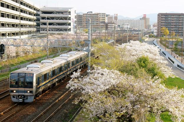 Photos: 207系 普通 尼崎行き