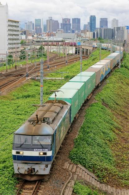 1051レ【EF210-136牽引】