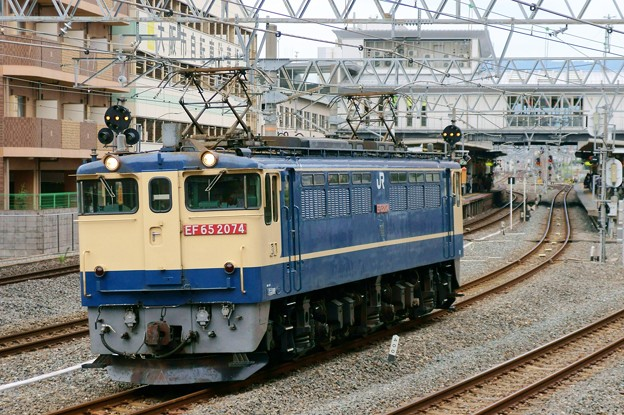 配1792レ【EF65 2074単機】