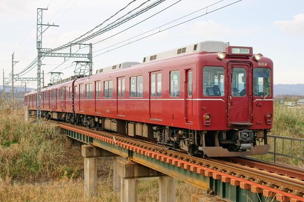Photos: 近鉄田原本線【マルーンレッド復刻塗装】