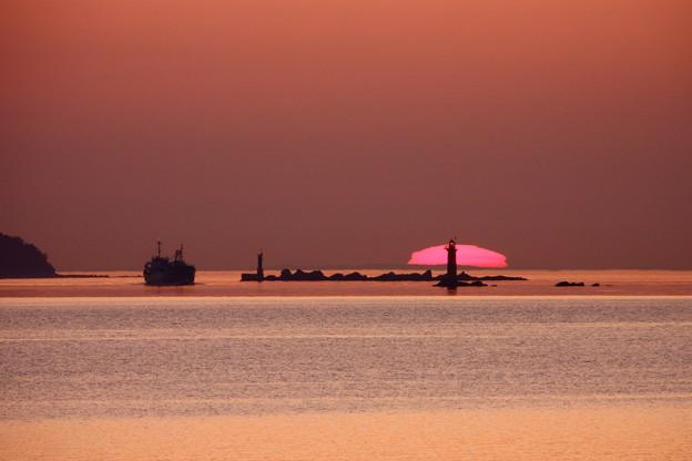 海峡の日没
