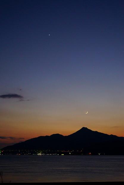夕空の月星