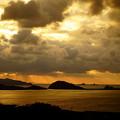 Photos: 夕陽は雲の中