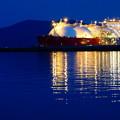 Photos: LNGタンカー接岸中