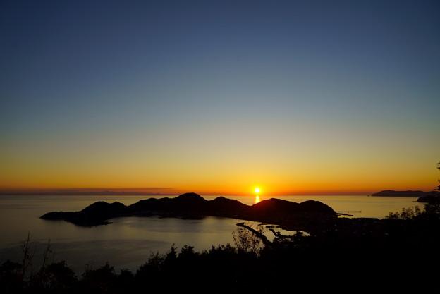 眩しい夕陽