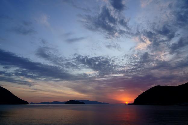 Photos: 岬の彼方に陽は落ちて