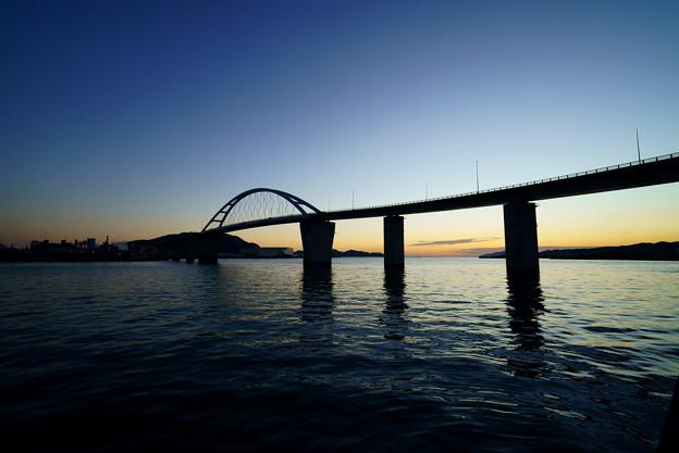 黄昏の周南大橋