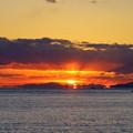 Photos: 夕陽は国東半島を抜けて