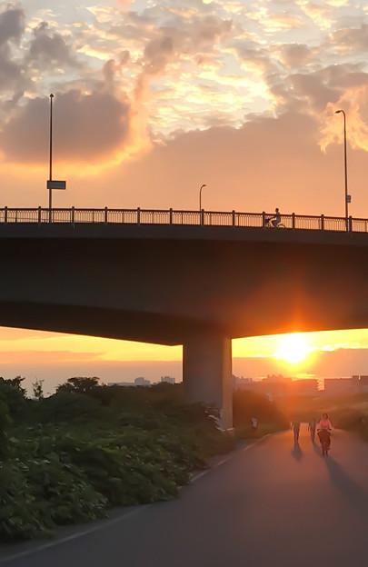 夕暮れのサイクリング