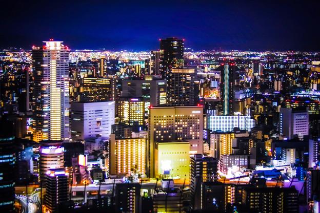 大阪梅田の夜
