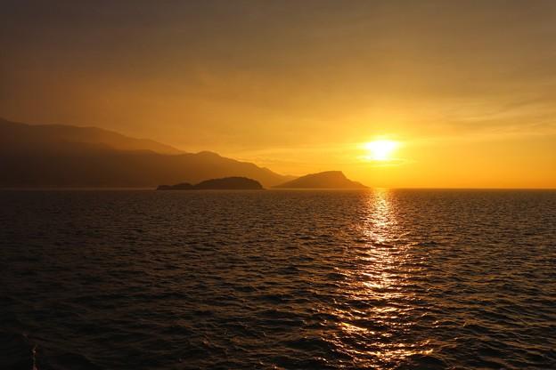 Photos: 小豆島に沈む夕陽