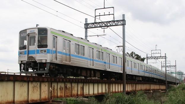 東武10000 at 藤の牛島