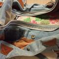 写真: 穴が開いてしまったバッグを直したよ