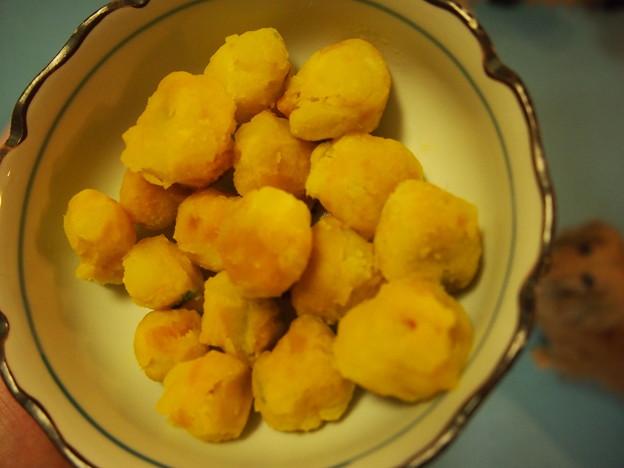 写真: サツマイモ・ジャガイモ・カボチャの団子