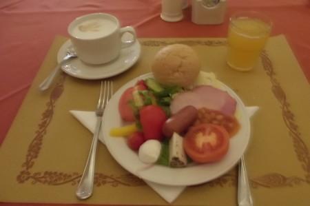 ホテル・朝食ダイニング0213