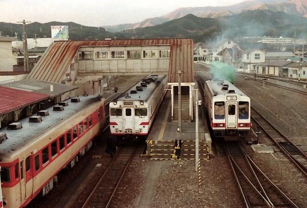 Sanriku Railway (right) / 三陸鉄道 盛駅